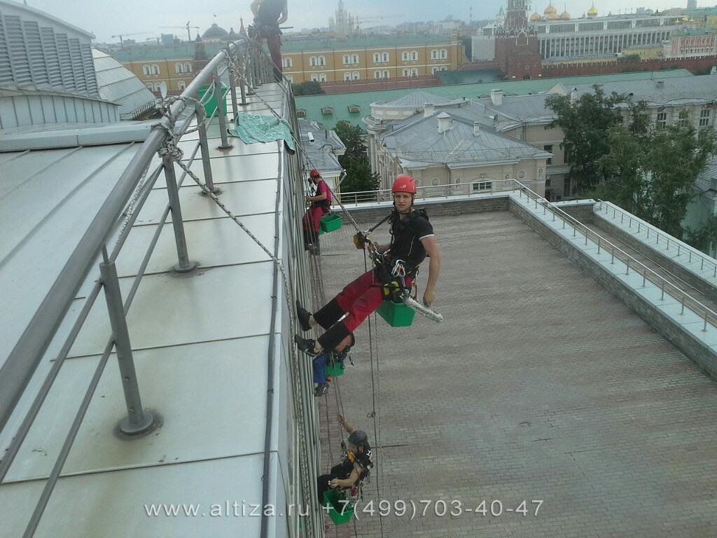 БЦ Романов Двор выполненые высотные работы альпинистами Альтиза