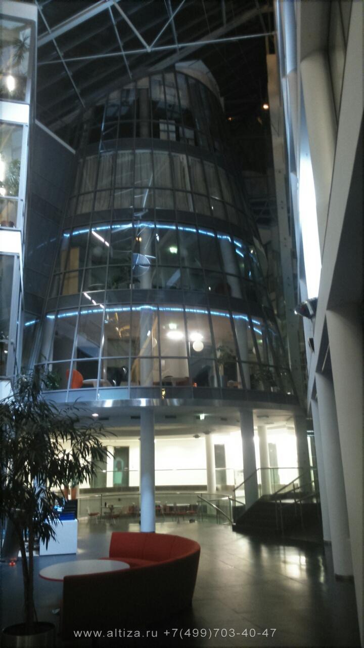 Офис компании ПИК выполненые высотные работы альпинистами Альтиза
